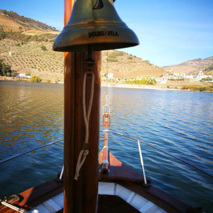 douro-valley-cruise-traditional-boat