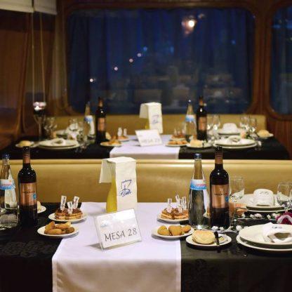 Cruzeiro-com-jantar-a-bordo